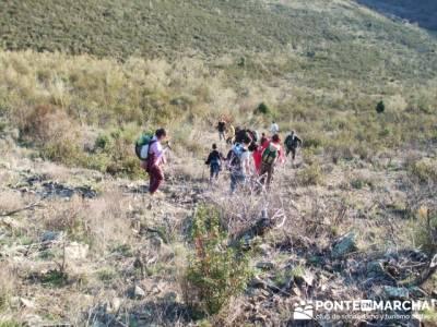 Descendiendo del Cancho de la Cabeza- Senda Genaro GR300 - senderismomadrid; excursiones de fin de s